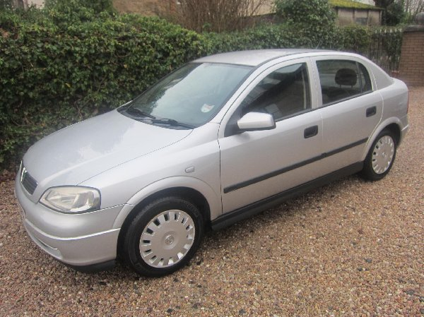 Only 163 850 Vauxhall Astra 1 6i Picture
