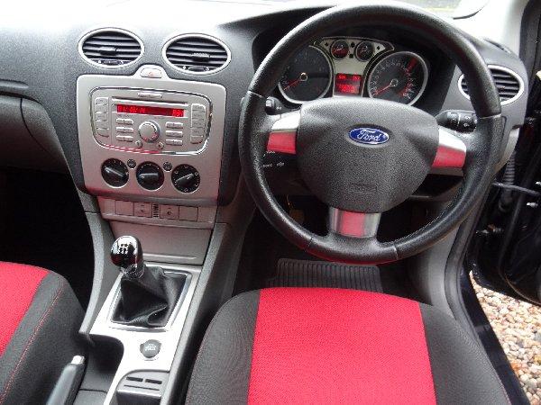 Ford Focus 1 6 Zetec 2009 Full H Picture